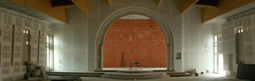 Intérieur de la nouvelle église le 9 mai 2008